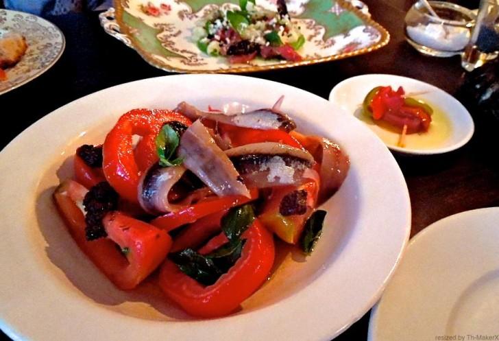 洗練のトマトとアンチョビのサラダ、うまい!