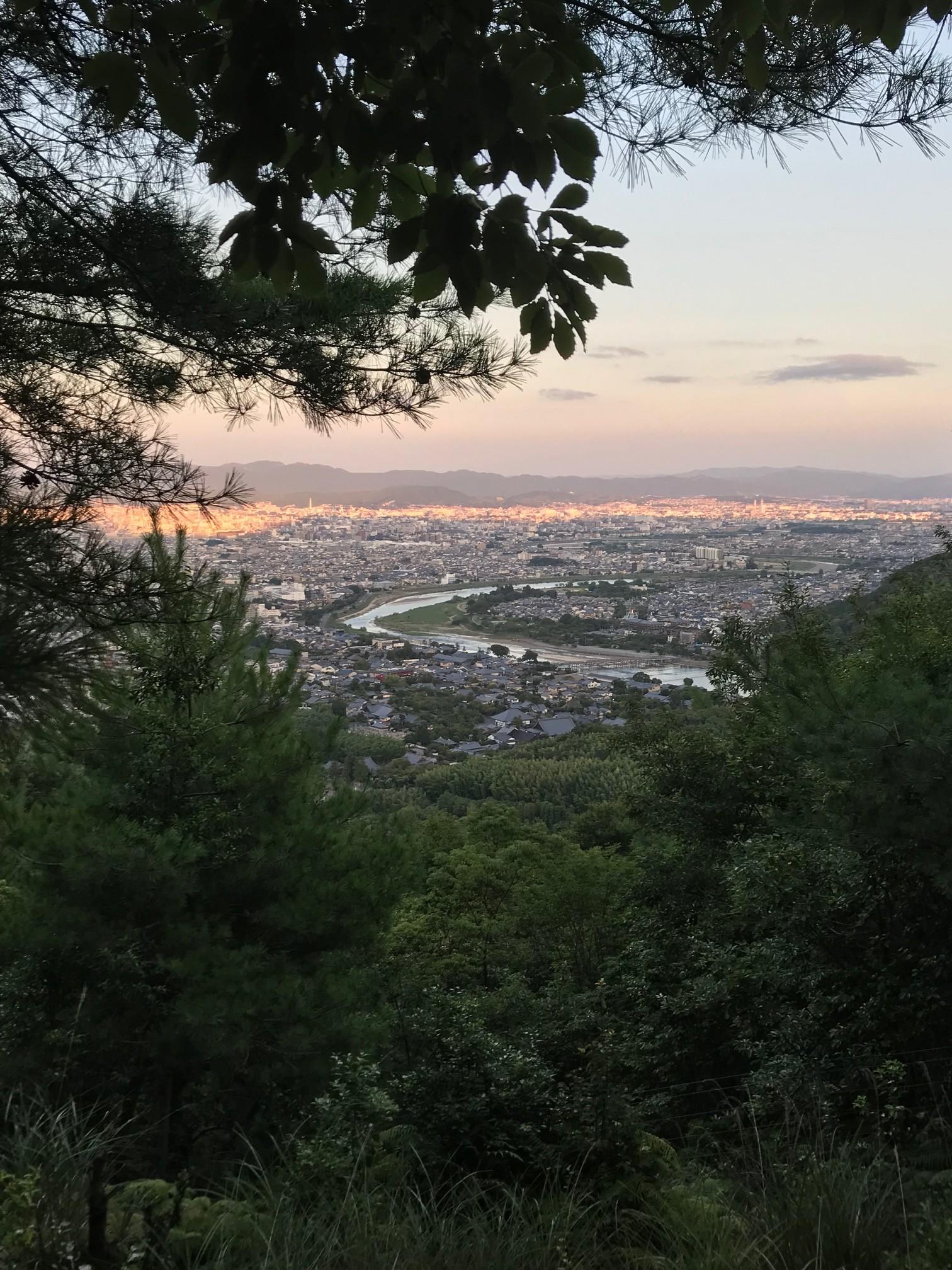 小倉山山頂から